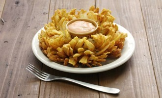 How To Make A Delicious Blooming Onion