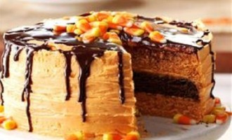 This Halloween-Inspired, Layered Orange & Chocolate Fudge Cake Is So Good It's Scary!
