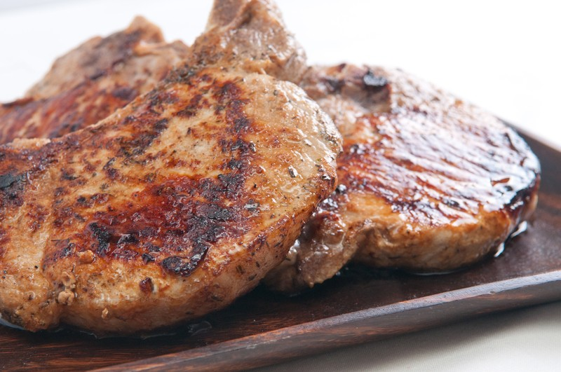 This Pork Chop Recipe Makes Some Of The Juiciest, Tenderest Chops We ...