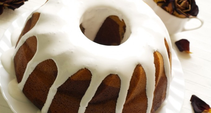 There Is No Dessert That Can Compare To This: Spiced Rum Cake With A Butter Rum Glaze