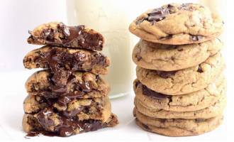 Ooey-Gooey Chocolate Chip Cookies: A Classic Recipe That Never Tasted THIS Good Before!