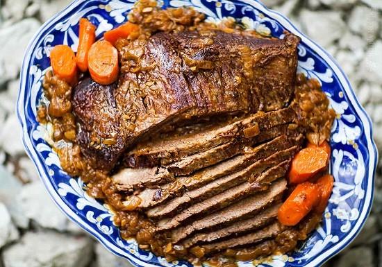 how to make tender pot roast in a crock pot