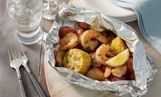 Southern Cuisine At Its Finest: This Recipe For Boiled Shrimp Is A Southern Tradition & Is Super Easy To Make!