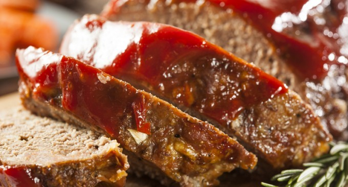 This Savory Meatloaf With A Thick Sauce Is My Husbands Favorite ...