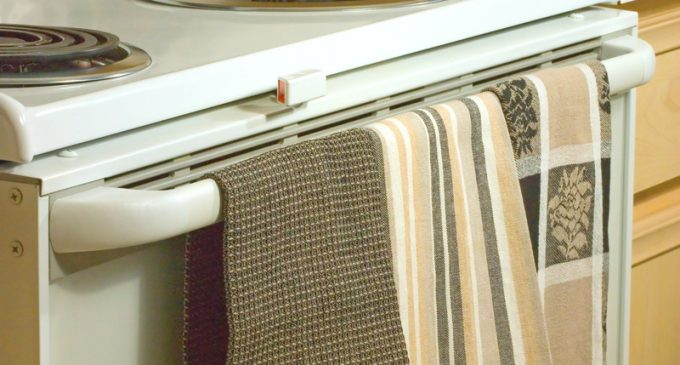 Who Would Have Thought To Use These Instead Of A Kitchen Towel? They Are Incredible!