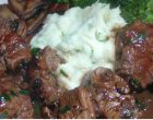 A Steak Dinner With Garlic Mashed Potatoes That is Mind Blowingly Easy to Prepare