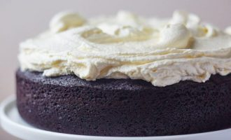 This Dark Chocolate Guinness Cake Takes Chocolate Cake To A Whole New Level And It Is Amazing!