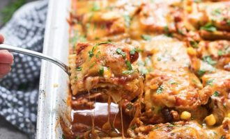 This Chicken Enchilada Ravioli Bake Combines Two Classics And It's Unbelievable!