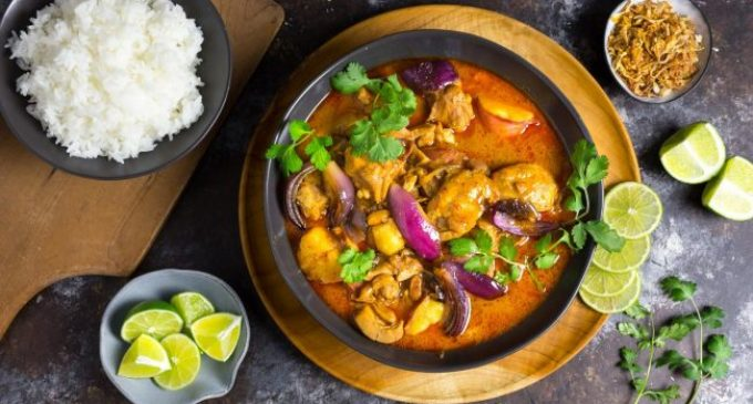 If Regular Curry Is Too Hot and Spicy, Try This Chicken Massaman Version