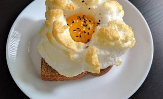 So What's Up With The Egg Cloud Cooking Craze