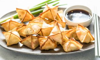 These Vegetable & Cream Cheese Wontons Are the Perfect Appetizer