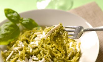 Spice Up Lunch With This 3-Ingredient Pesto Bowl