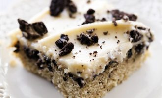 Cookies and Creme Cake That Will Be a Winner at any Party