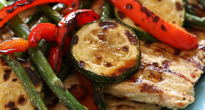 This Chicken & Veggie Recipe Is the Perfect Excuse to Fire Up the Grill