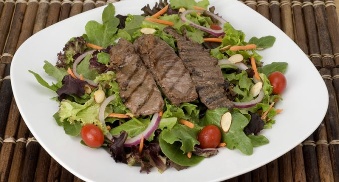 This Steak Salad Requires Just 5 Ingredients