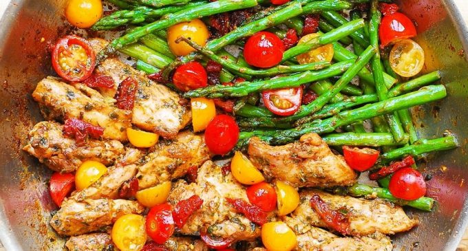 This Chicken and Veggies Recipe is Dominating Social Media