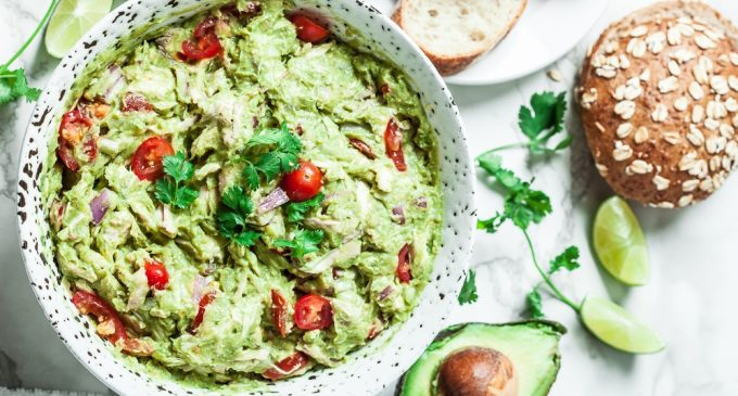 Make This Healthy Guacamole Chicken Salad In Just 15 Minutes