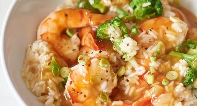 This Shrimp, Broccoli and Rice Casserole Has an Asian-Inspired Honey-Garlic Sauce