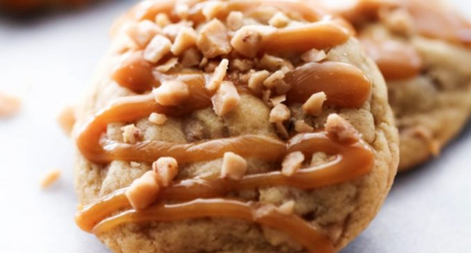 These Caramel Toffee Pudding Cookies Are the Perfect Combination of Creamy and Crunchy