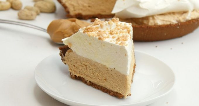 A Peanut Butter Cream Pie That Will Satisfy All Those Cravings!