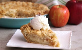 Don't Like Pumpkin? Try This Snickerdoodle Cheesecake Apple Pie. This May Be Our New Obsession