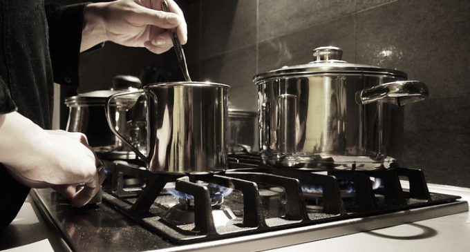 5 Kitchen Tricks That Are Essential For Cooking