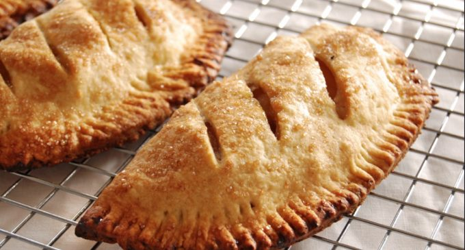 An Apple Turnover Recipe That Will Make Everyone Jealous