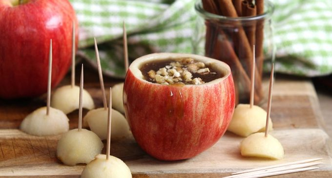 A Mess Free Caramel Apple Fondue Everyone Can Enjoy