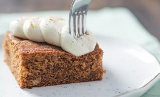 Look Out Pumpkin, This Gingerbread Cake Is Taking Over The Holiday Season