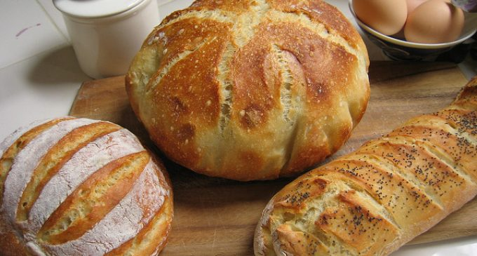 How To Keep Bread Fresher Longer