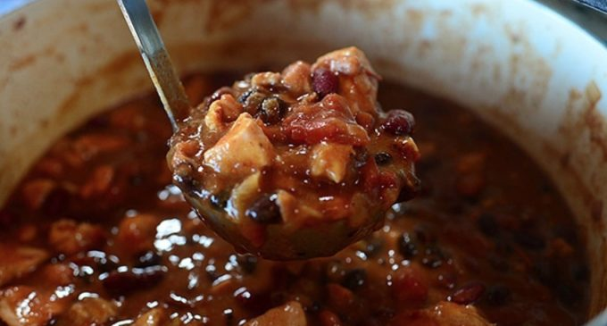 Chipotle Chicken Chili That'll Bring Everyone Running To The Dinner Table