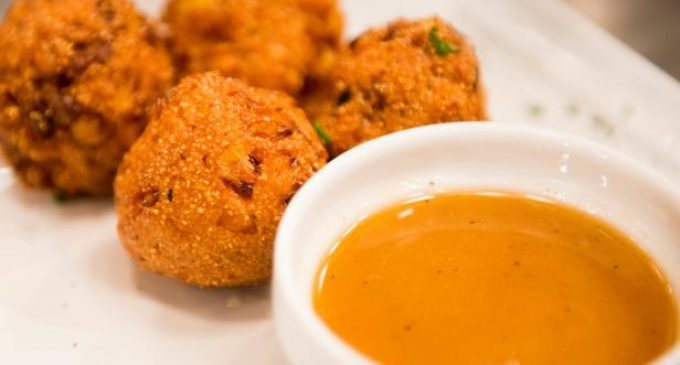These Bacon Corn Hushpuppies With A Honey Sriracha Dipping Sauce Are The Perfect Treat