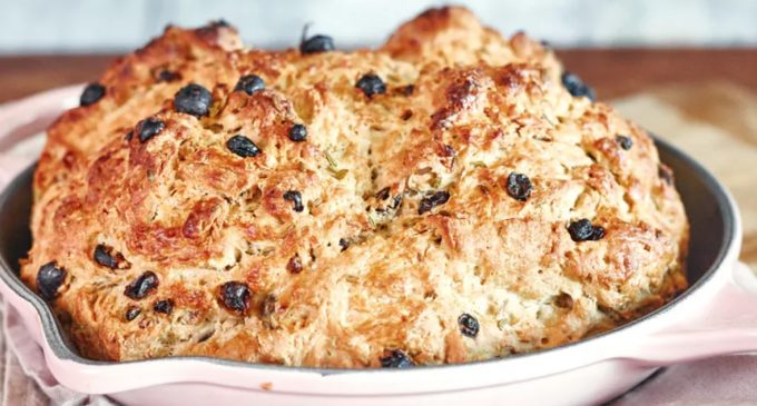 A St. Paddy's Day Treat: Irish Soda Bread